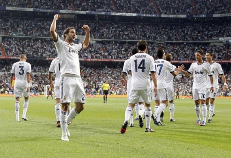Real wins Spanish Supercup (Supercopa de España) after a 2-1 win over ...