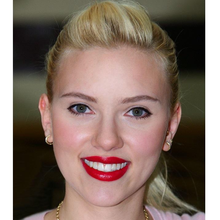 Artist Plasters Scarlett Johanssons Nude Photos