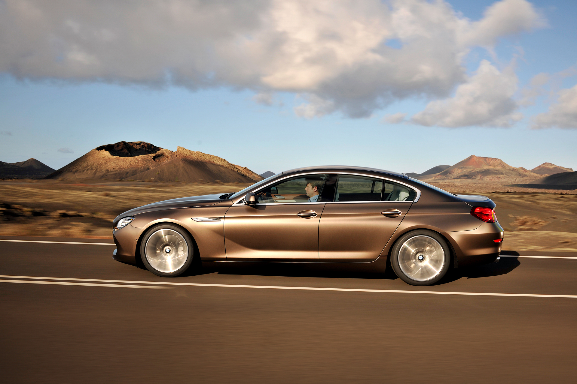 Video photo bmw presents 6 series gran coupe rival of for Mercedes benz 650i