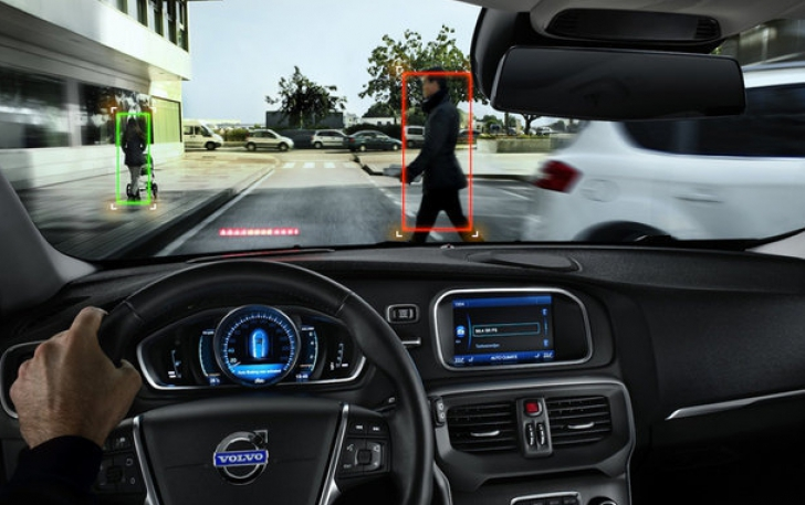Volvo V40 Amazes With Its Groundbreaking Safety Systems