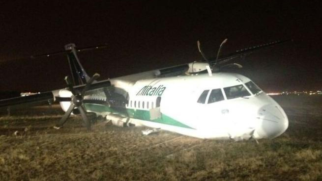 Alitalia Carpatair crash landing