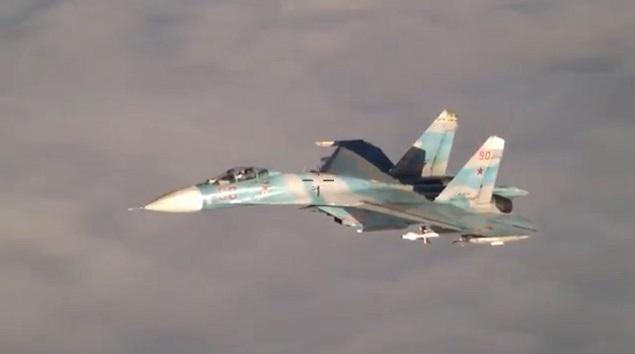 VIDEO) NATO-Portuguese plane intercepted by Russian Sukhoi Su-27